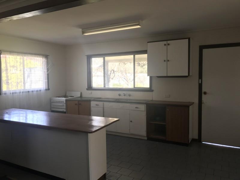 27 Barooga Street, Berrigan NSW 2712