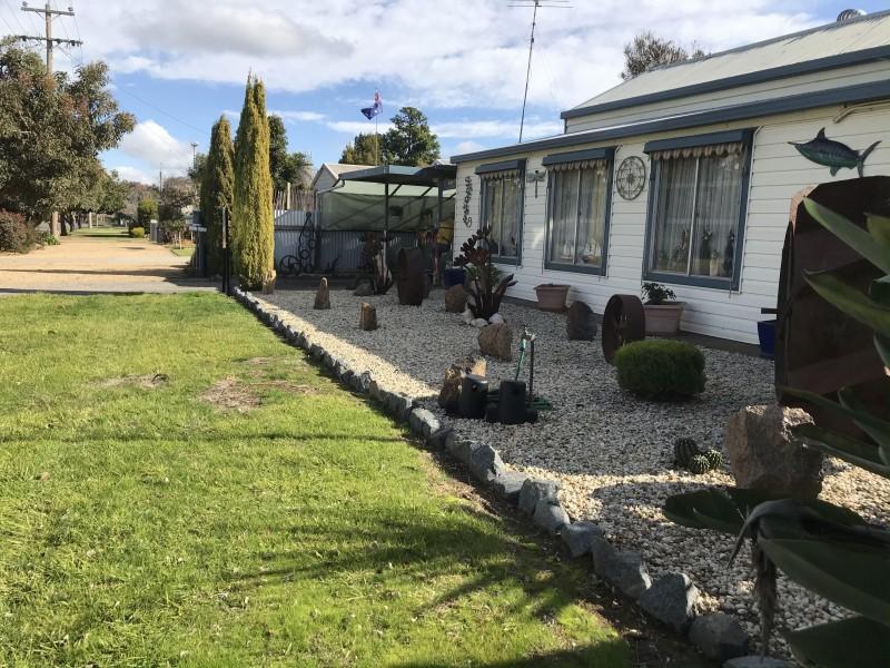 18 Momalong Street, Berrigan NSW 2712