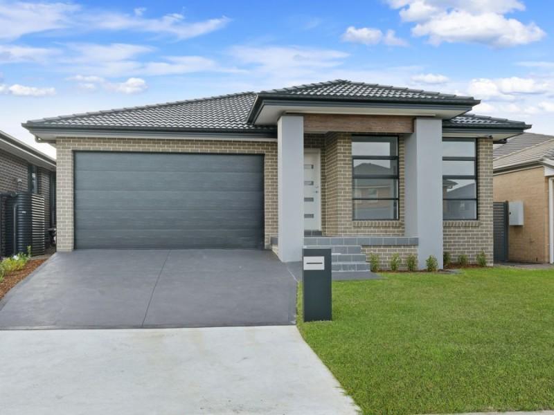 5 Redden Crescent, Riverstone NSW 2765
