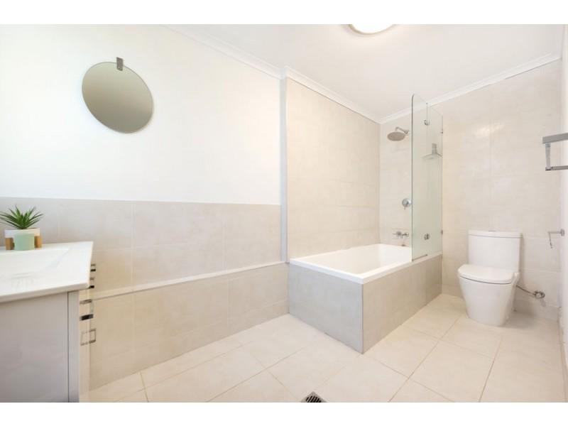 73 Victoria Street, Fairfield QLD 4103
