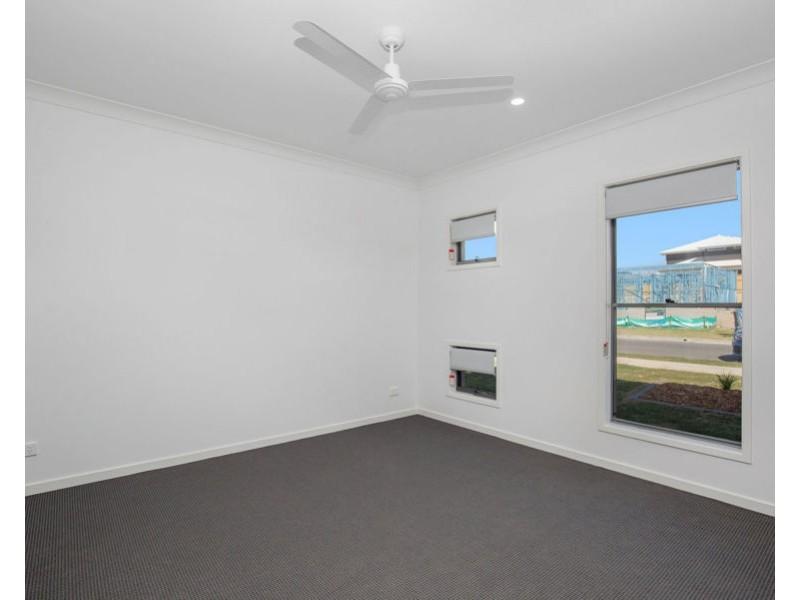 52 Girtin Circuit, Pimpama QLD 4209