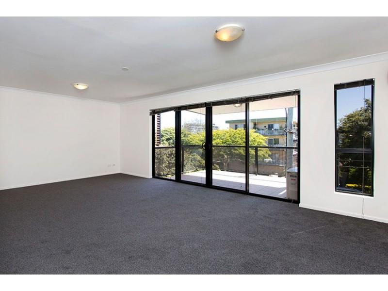 39/11 Kitchener Street, Coorparoo QLD 4151