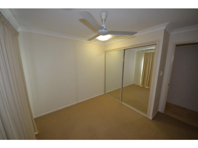 2/13 O'shanesy St, Gracemere QLD 4702