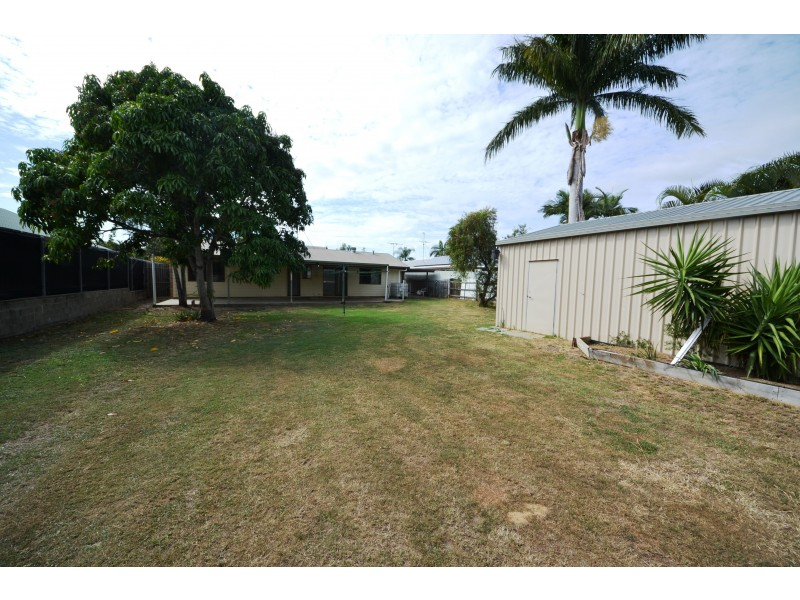12 Deakin Close, Gracemere QLD 4702