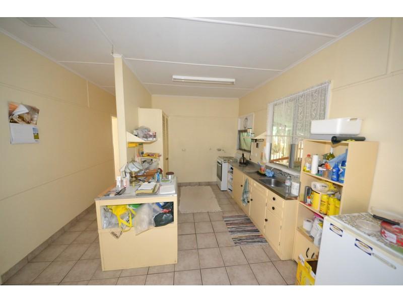 5 School St, Bajool QLD 4699