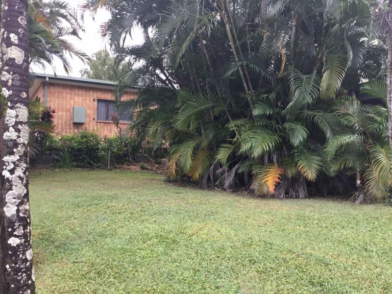 9 Coleus Court, Mooroobool QLD 4870