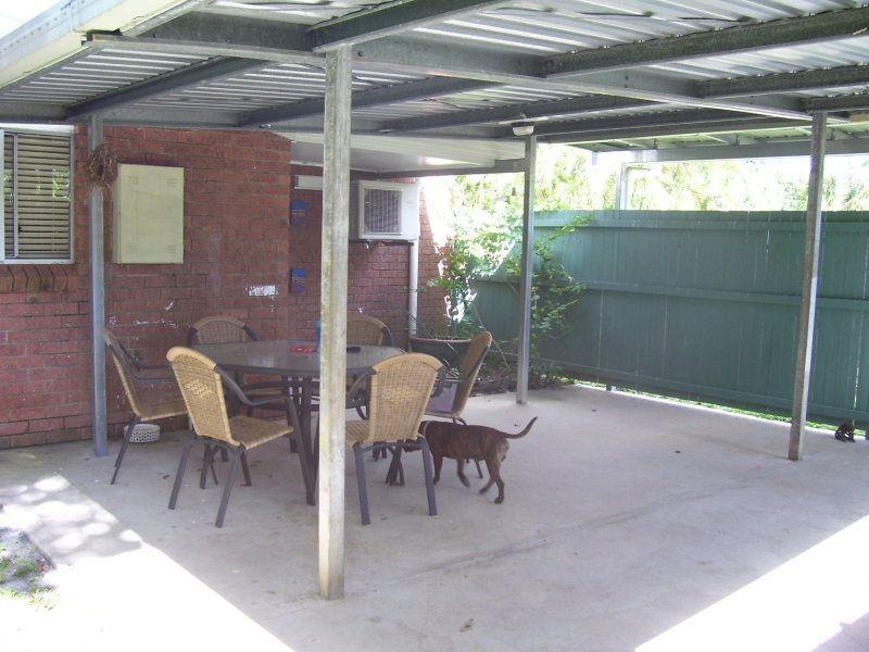 20 Long Street, Mooroobool QLD 4870