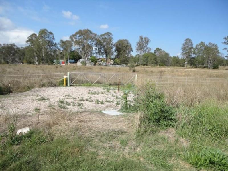 13 East Owen Street, Raceview QLD 4305
