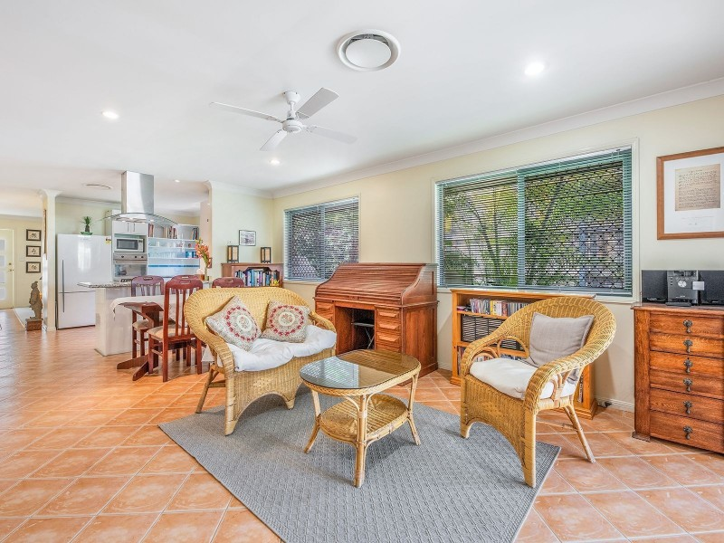 14 Samford Pl, Forest Lake QLD 4078