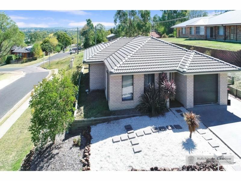 20-22 Birch Crescent, Armidale NSW 2350