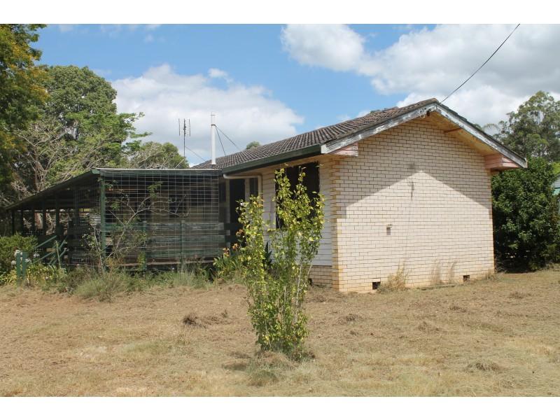 11 Hart Street, Blackbutt QLD 4306