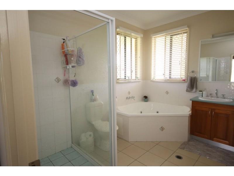 293 Nukku North Rd, Blackbutt QLD 4306