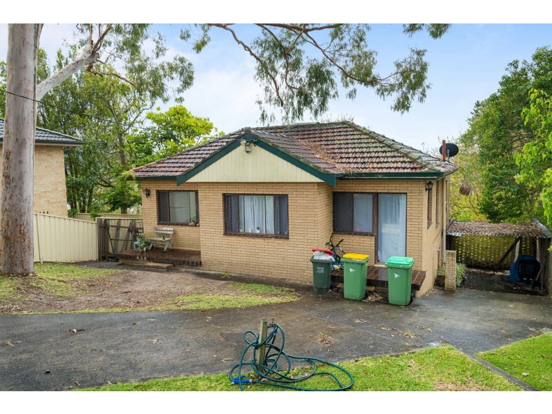 27 Ormond Street, North Gosford NSW 2250
