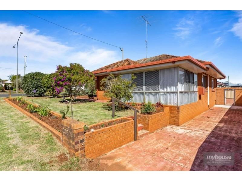 17 Berry Street, Wilsonton QLD 4350