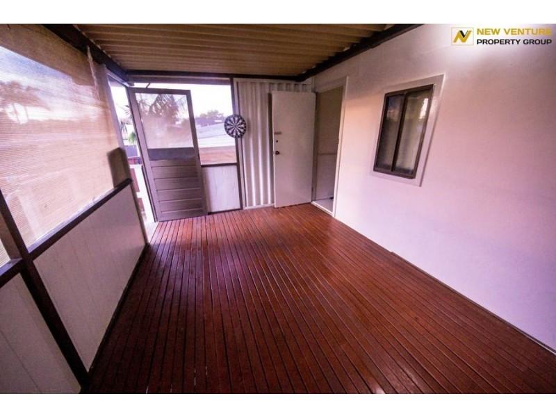 80 Ballandella Rd, Toongabbie NSW 2146