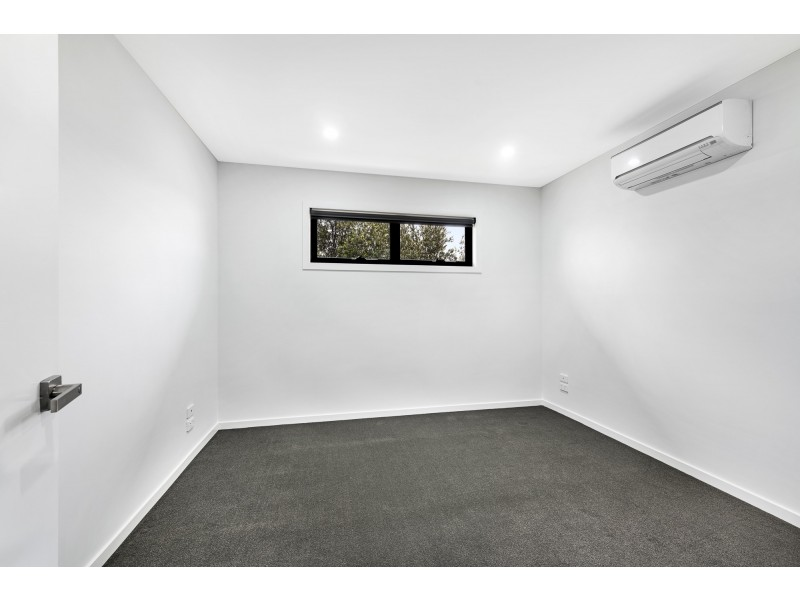 2/70 Halsey Road Airport West, Airport West VIC 3042