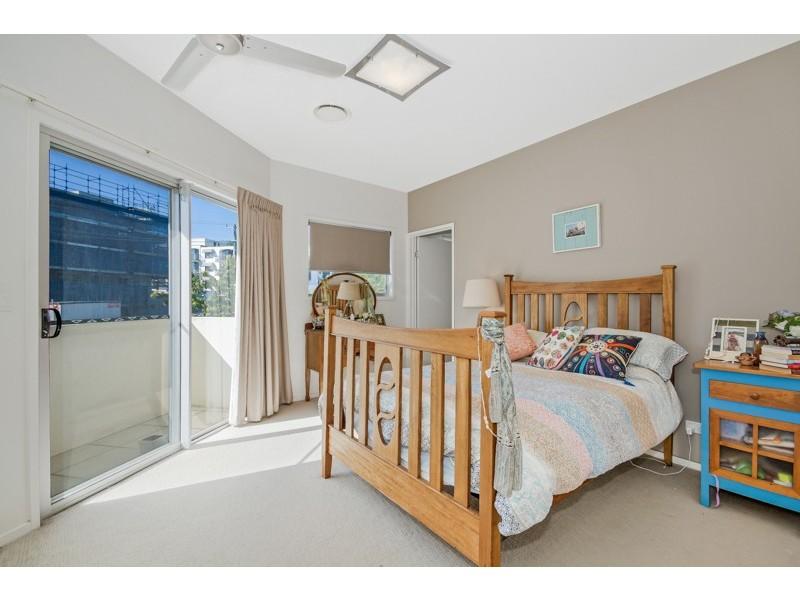 2/15 Edward Street, Alexandra Headland QLD 4572