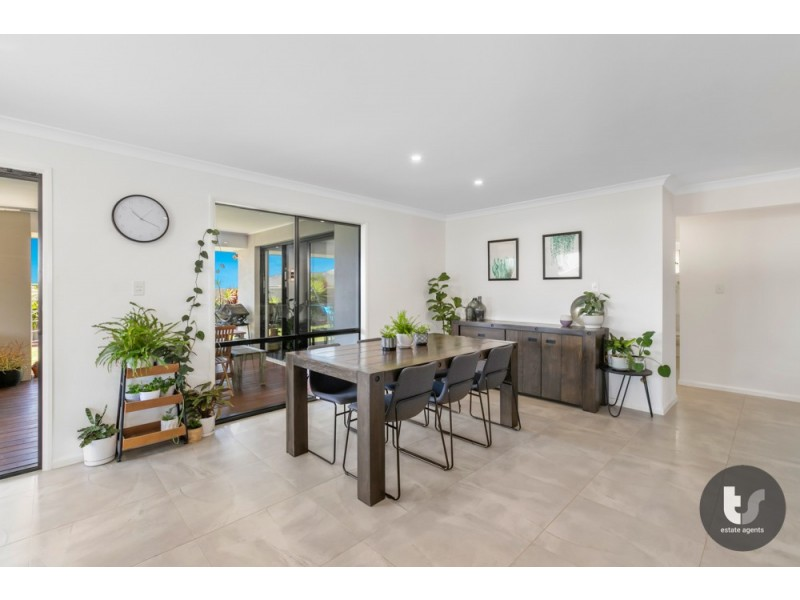 83 Capella Drive, Redland Bay QLD 4165