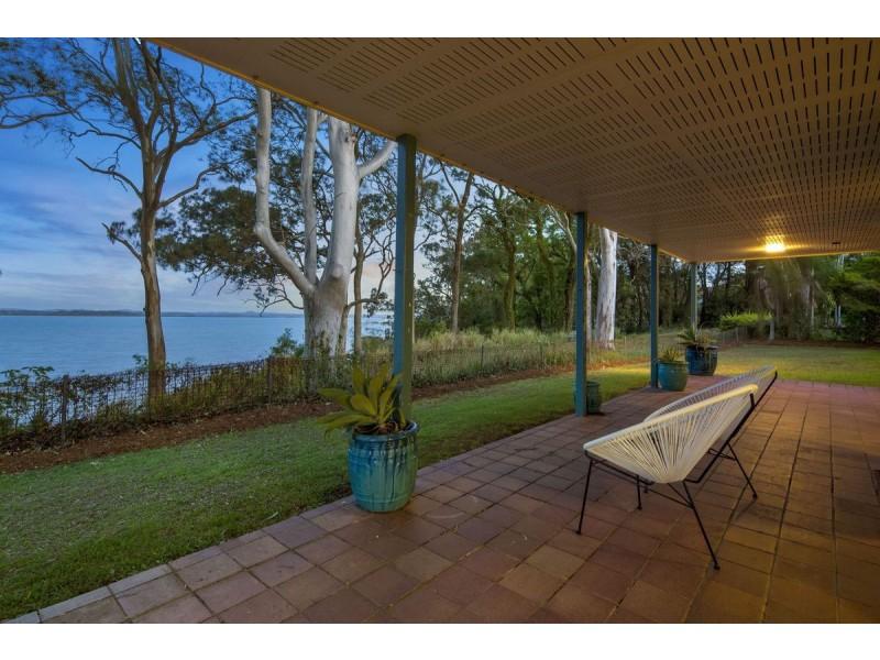 92 Broadwater Terrace, Redland Bay QLD 4165
