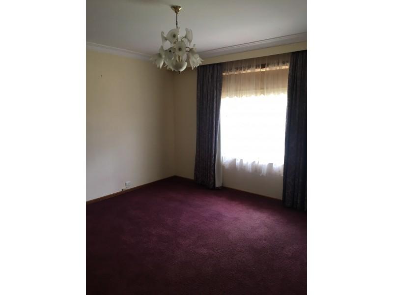 38 Warrendine St, Orange NSW 2800