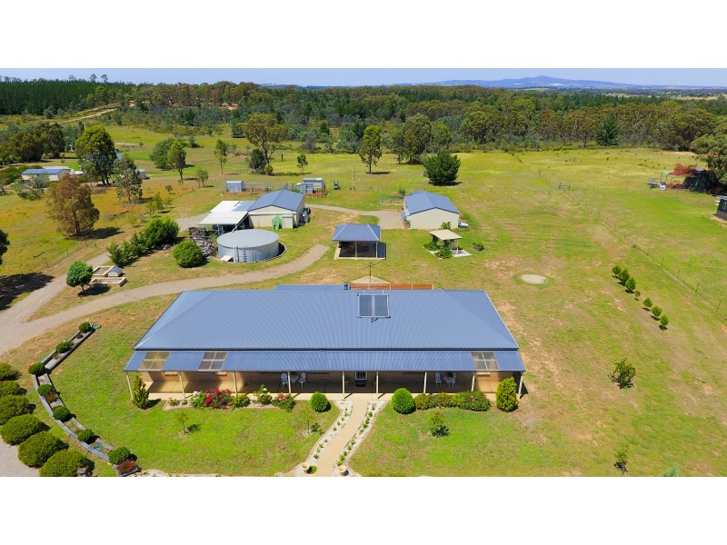 17 Rosella Pl, Mullion Creek NSW 2800