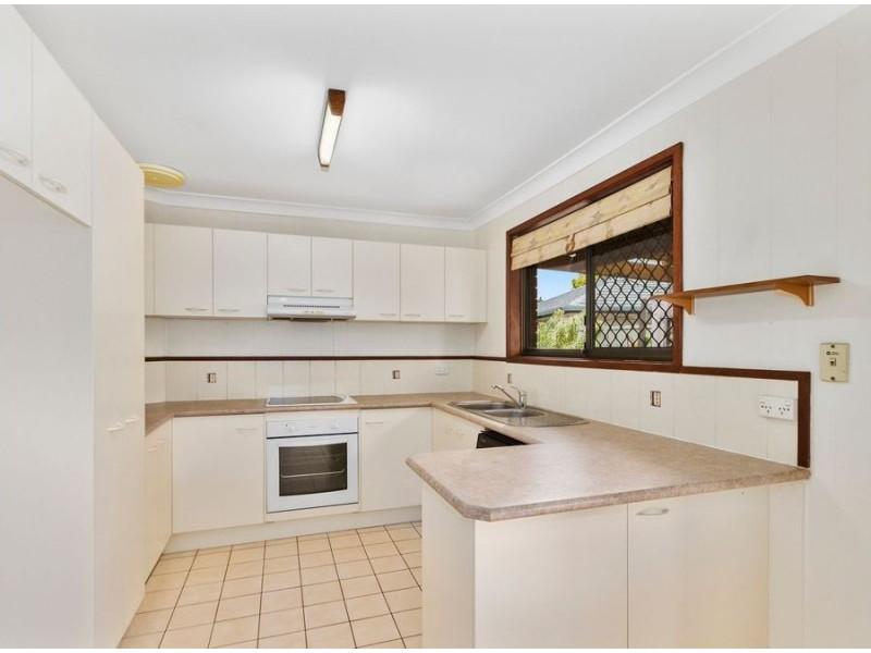 6 Burrinjuck Drive, Coombabah QLD 4216
