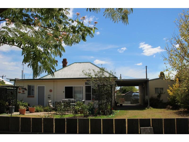 102 Bulwer Street, Tenterfield NSW 2372