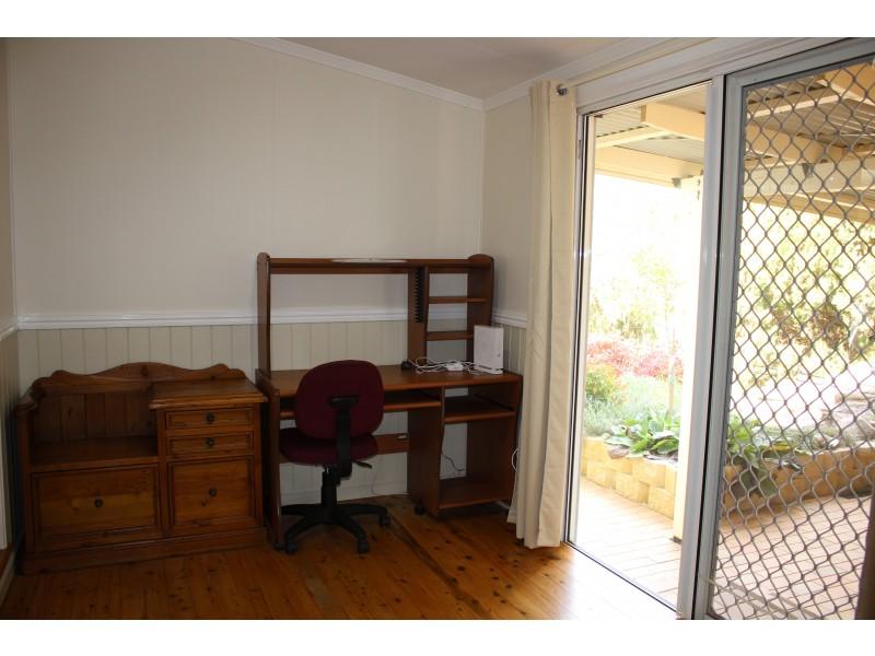9 Drummond Street, Tenterfield NSW 2372