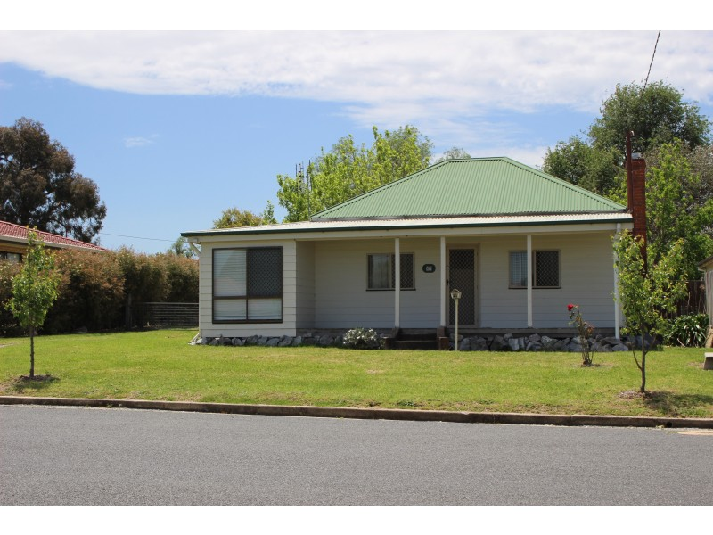 62 High Street, Tenterfield NSW 2372