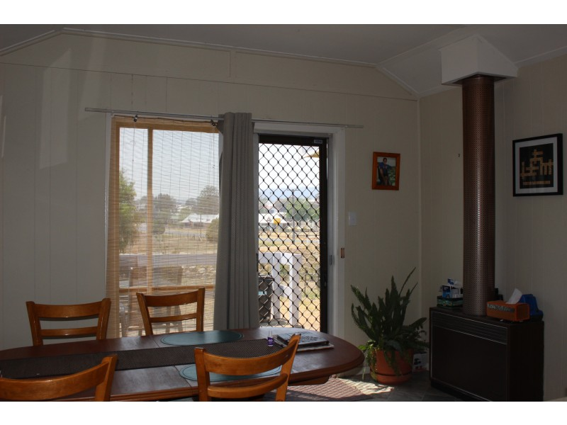 74 Molesworth Street, Tenterfield NSW 2372