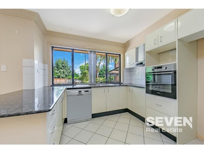 4/35-37 Parsonage Road, Castle Hill NSW 2154