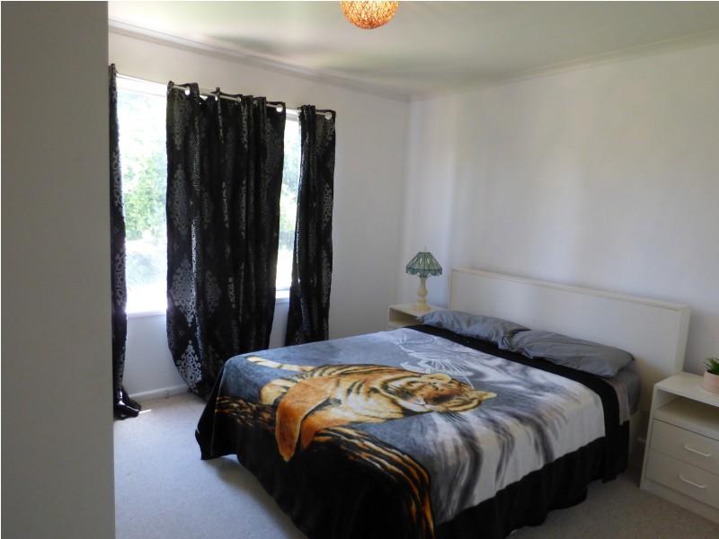 4 Lander Street, Darlington Point NSW 2706