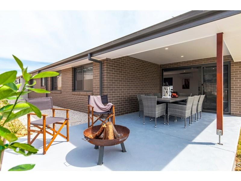 15 Jardine Road, Sunshine Bay NSW 2536