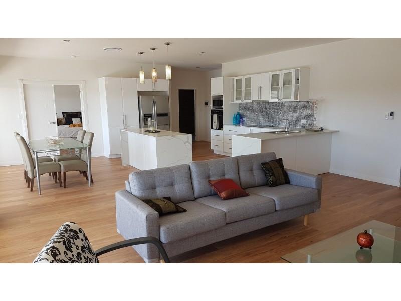 15 Sophie Avenue, Broadbeach Waters QLD 4218