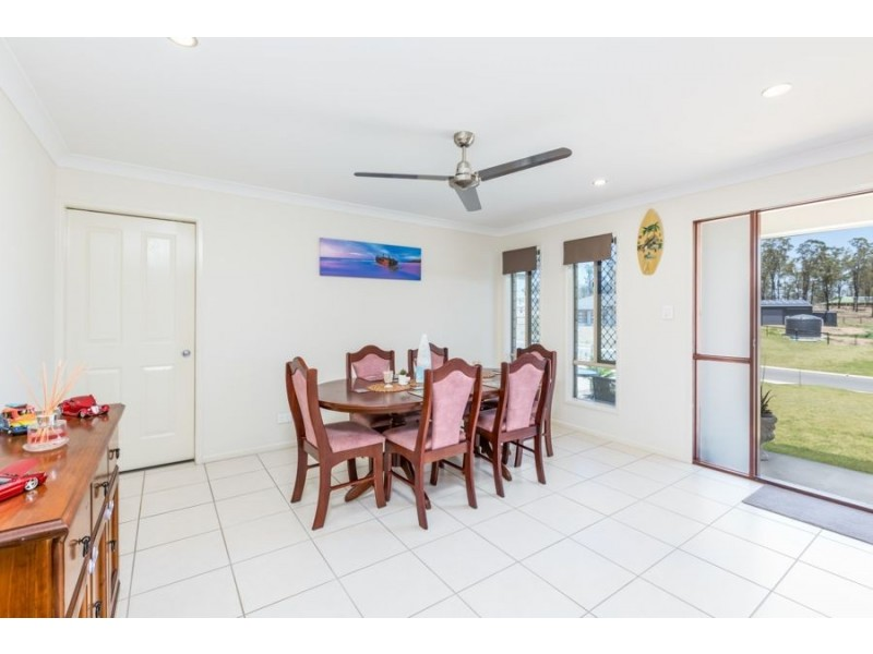 34 Arlington Way, Kensington Grove QLD 4341