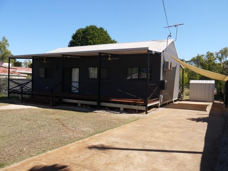 11 Sandalwood Crescent, Katherine NT 0850