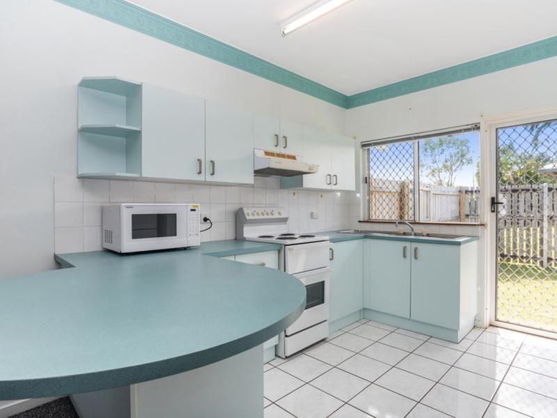 5/60-68 Swallow Street, Mooroobool QLD 4870