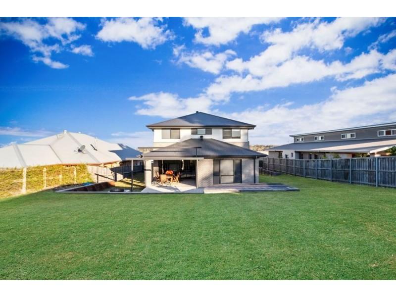 52 Cockatoo Ridge, Aberglasslyn NSW 2320
