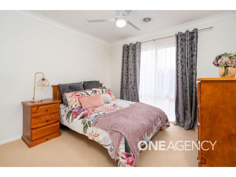 13 NANDINA AVENUE, Lake Albert NSW 2650