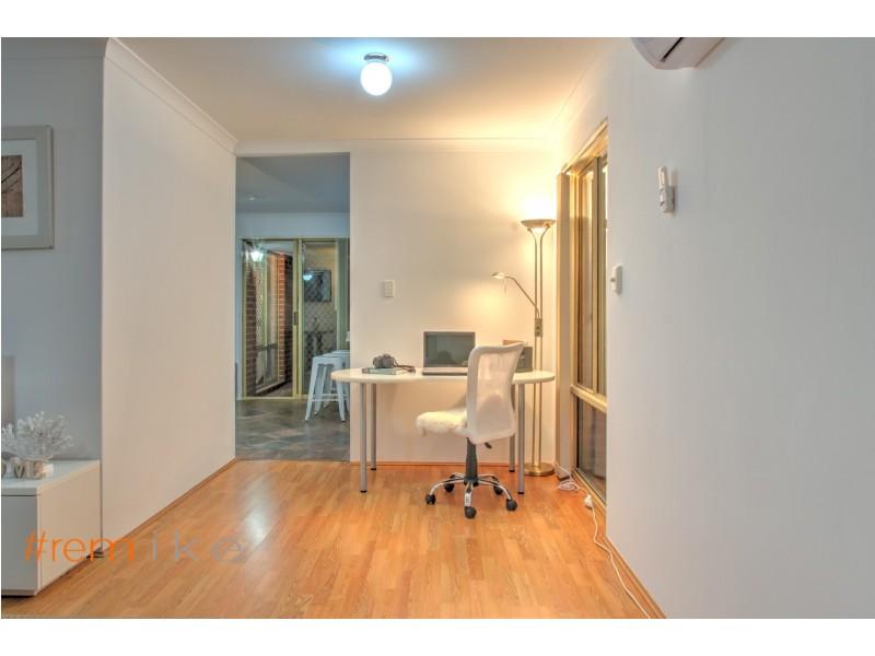 3 Redwood Court, Alexander Heights WA 6064