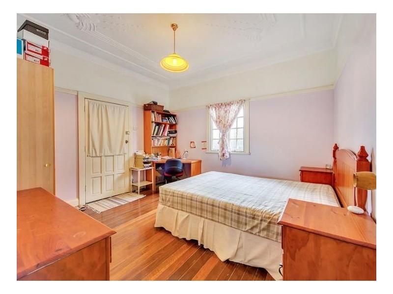 Room 4/42 Macdonnell Street, Toowong QLD 4066