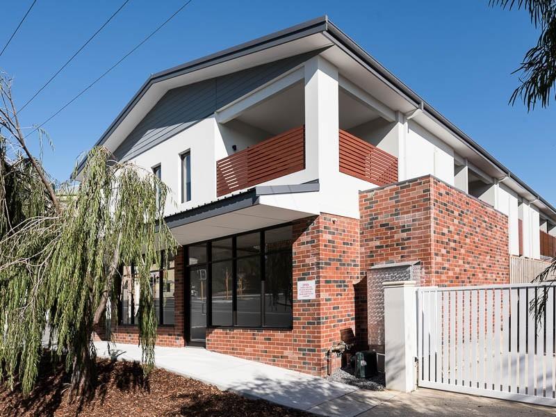 1/67 Wray Avenue, Fremantle WA 6160