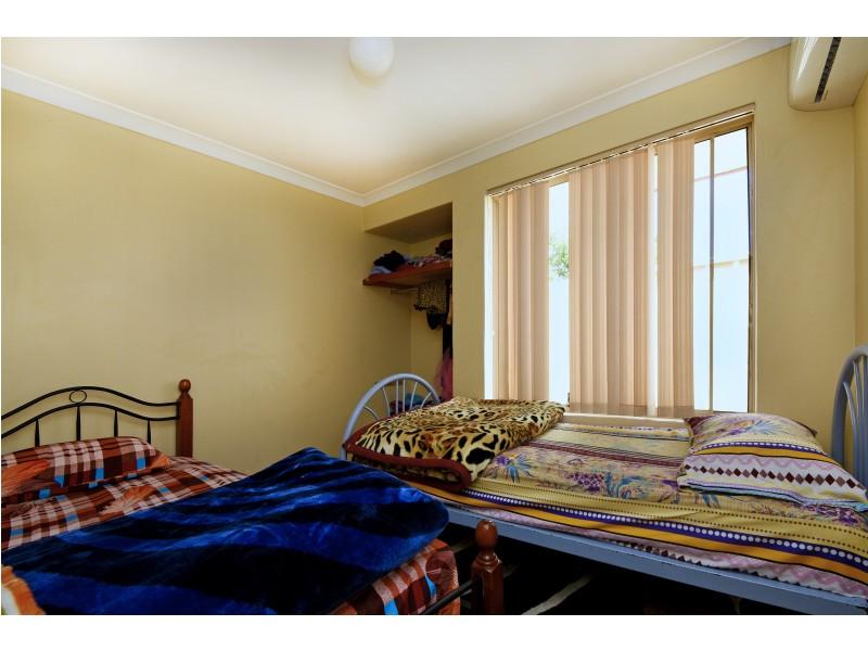 4 BENIA RISE, Alexander Heights WA 6064