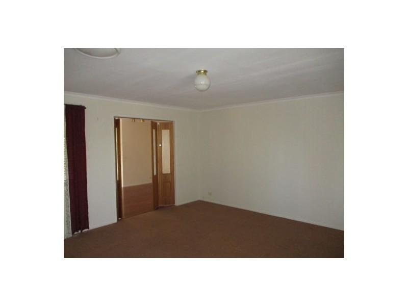 12 Bainbridge Close, Craigieburn VIC 3064