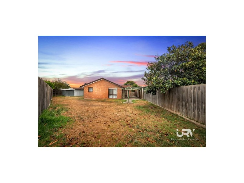 10 Whitehaven Court, Craigieburn VIC 3064