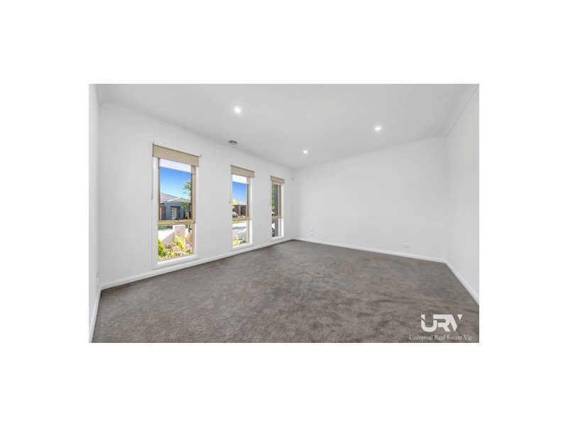 34 Thorngrove Avenue, Craigieburn VIC 3064