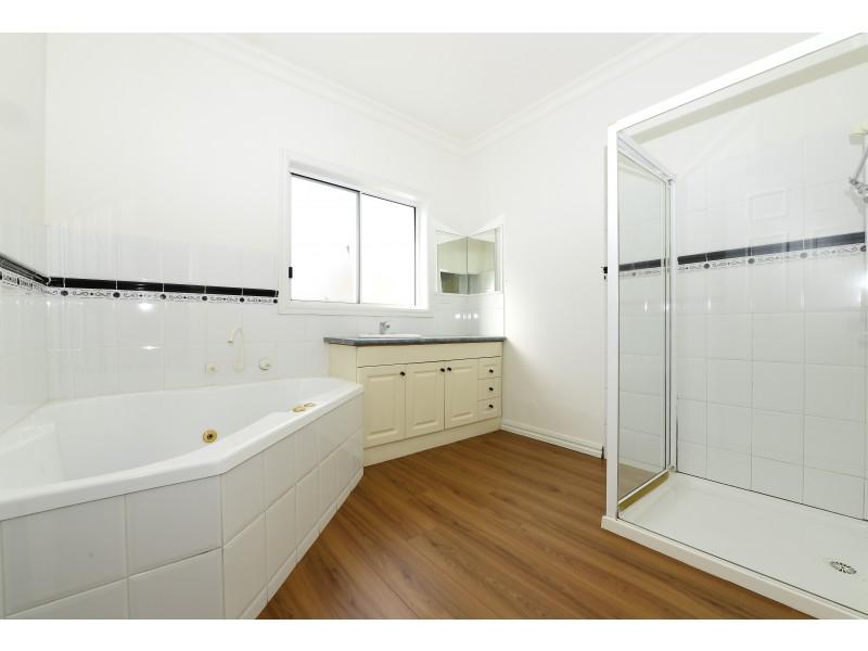 3/4 Brisbane Street, Albion VIC 3020