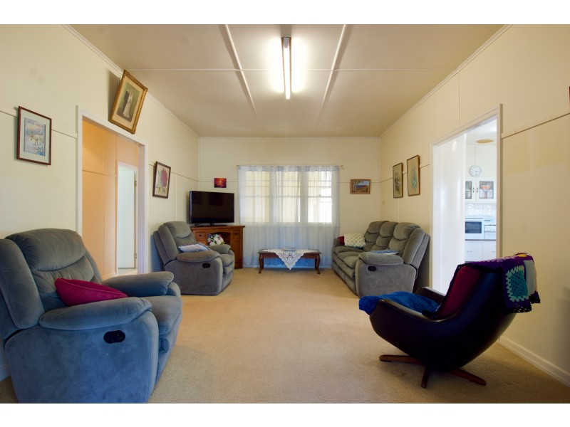 66 Beale Street (AKA 1-3 Fitzpatrick Street), Oakey QLD 4401