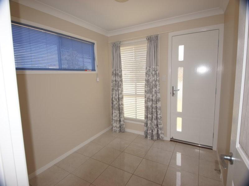 3A Desmond Street, Oakey QLD 4401