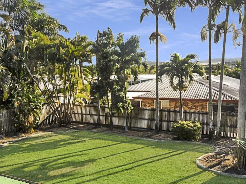 12 Nathan Court, Beaconsfield QLD 4740